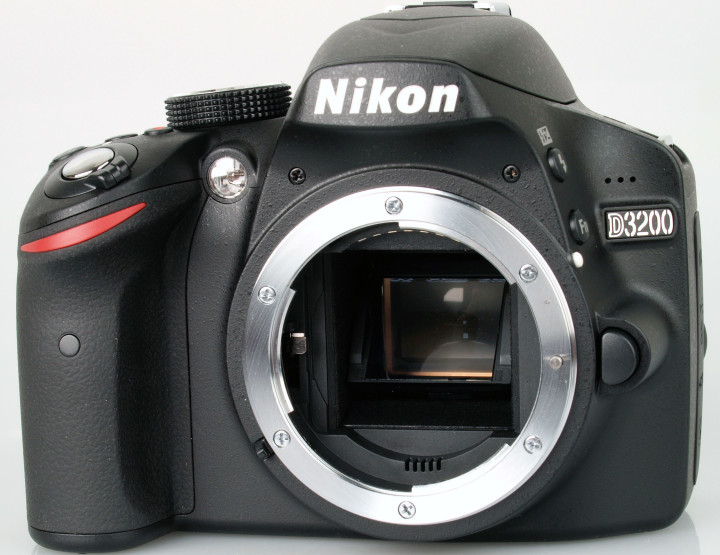 Point and Shoot versus Nikon D3200: Which is the Better Option?